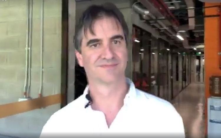 Con el Ing. Carlos Alberto Duque director téc...
