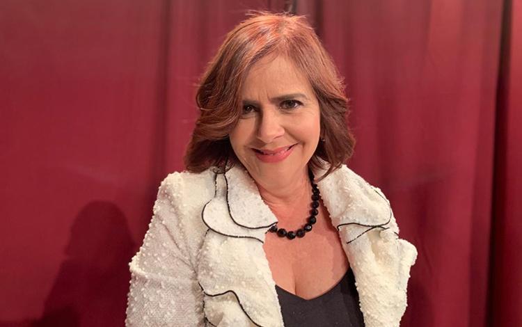 Con Lourdes Dávila VP de Ventas de Telemundo ...