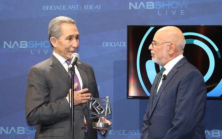 El PRODU Award Tecnología HONORÍFICO para Max...