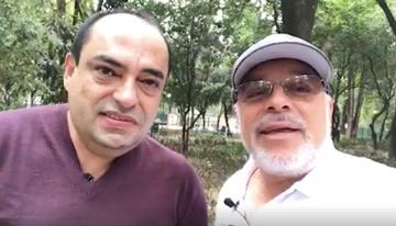 Con el libretista Héctor Forero, quien está e...