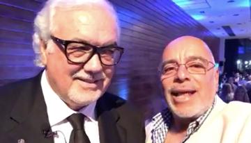 Con Carlos Vasallo, a quien se le otorgó el  ...