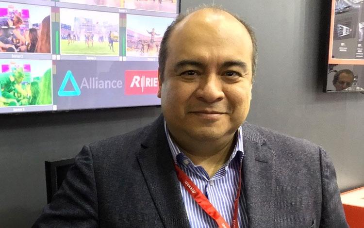 Ángel González España de Riedel