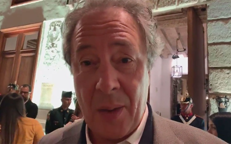 Gonzalo Córdoba de Caracol desde la alfombra ...
