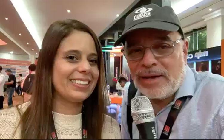 con Elizabet Gray de Cienaguera de COLOMBIA