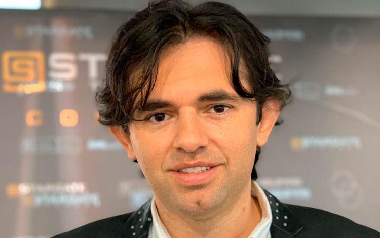 Con Andrés Valencia, director de Stargate Stu...