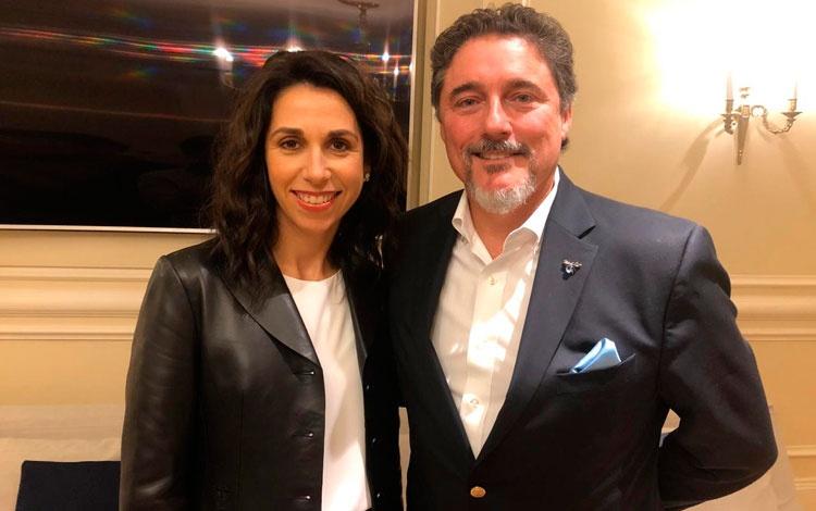 Con Fidela Navarrode Dopaminey Ed...